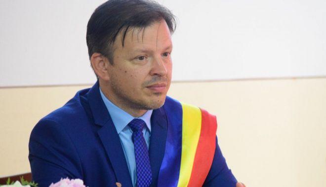 Primarul din Hârşova, Viorel Ionescu, a clarificat problema taxei pentru maşinile de mare tonaj - harsovataxemasini2-1613318430.jpg