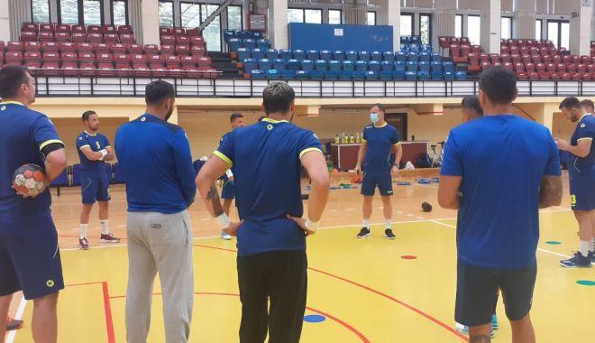 Foto: Handbaliștii de la HCDS s-au întors în Sala Sporturilor