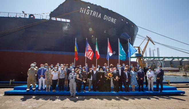 "Foto: Tancul de produse petroliere și chimice ""Histria Dione"" a primit botezul"