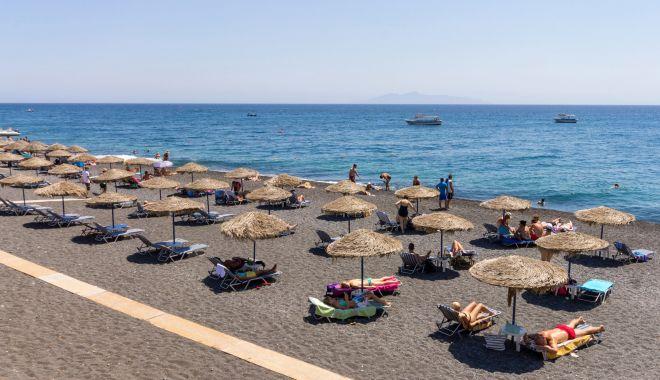 Noi reguli pentru românii care merg în Grecia. Ce acte sunt necesare - hepta2368022-1594485155.jpg