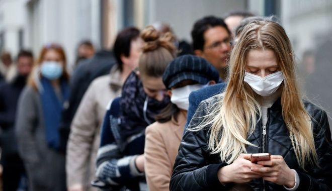 Cât timp vom mai purta masca? Experții oferă răspunsuri - httpscdncnncomcnnnextdamassets20-1606560314.jpg
