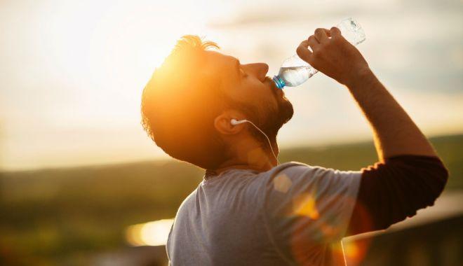 Luna iulie, cea mai călduroasă lună a anului. Ce precizări mai face ANM - hydration-1593971971.jpg