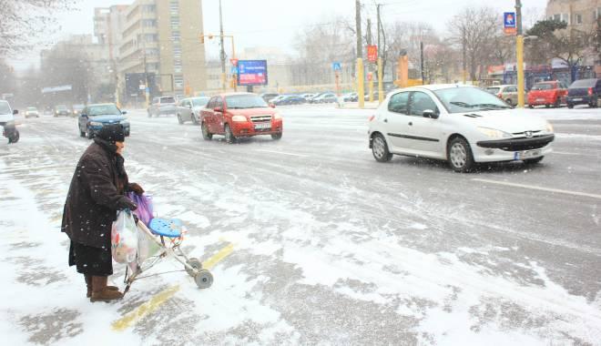 Foto: PROGNOZA METEO LUNARĂ. Cum va fi vremea în următoarea perioadă