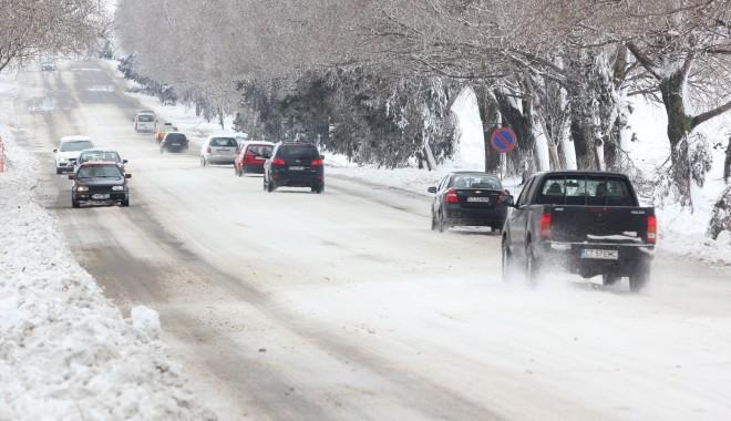Cod galben/ În câteva ore va fi deblocat traficul rutier în județul Constanța - iarnalaconstanta45-1327661304.jpg