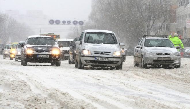 Unde puteți suna ca să aflați starea drumurilor din județ - iarnazapada-1327569954.jpg