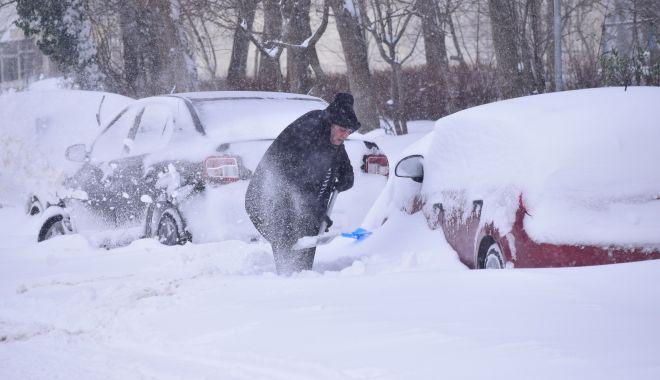 """Foto: Vine un nou val de frig și ninsori! """"Mâine va fi din nou foarte rău!"""""""