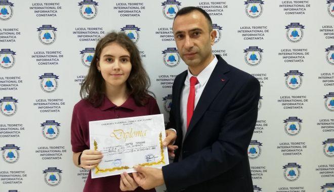 Buni la matematică! Premii pentru elevii Liceului Internațional de Informatică - ichc2-1542816860.jpg