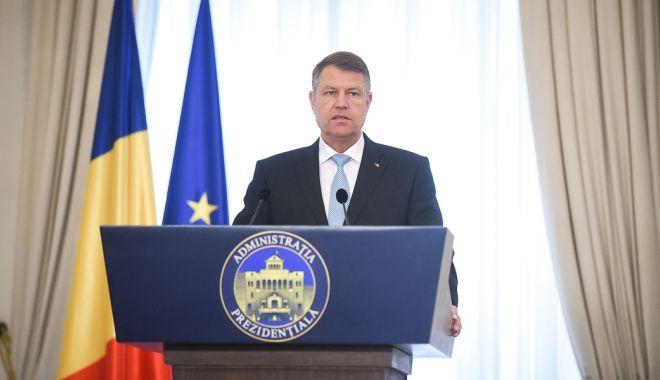 Iohannis, la întâlnirea cu ambasadorii: În politica externă nu e nevoie de experimente discutabile, în nume personal, amatorism și gafe - image20170462170250270klausiohan-1535449527.jpg
