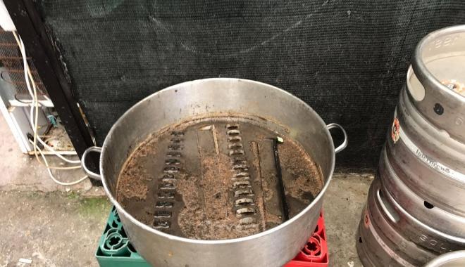 Galerie foto-video / Imagini de groază din bucătăria unei terase din Eforie Sud! OPC este în control - imaginidegroaza2-1502187947.jpg