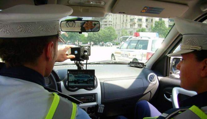 Foto: Aproape 500 de permise de conducere reținute de polițiști într-o singură zi!