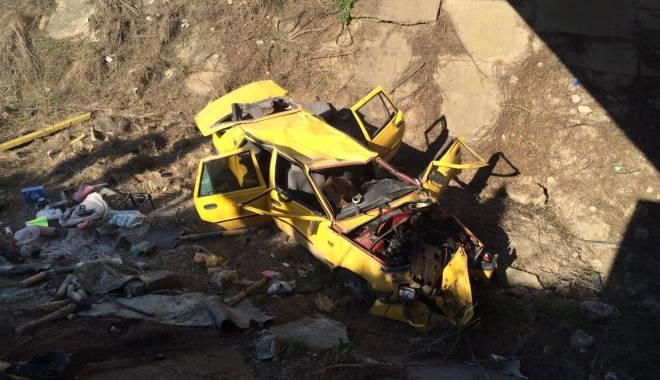 Galerie foto. Accident rutier grav, în județul Constanța / Au căzut cu mașina într-un canal adânc de patru metri. ȘASE VICTIME - img20150404wa0001-1428167165.jpg