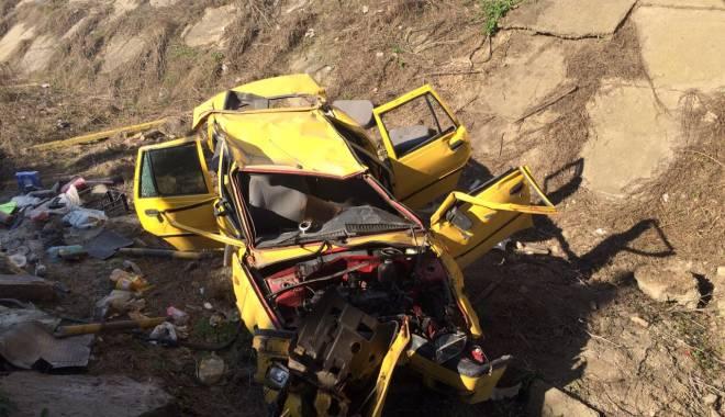Galerie foto. Accident rutier grav, în județul Constanța / Au căzut cu mașina într-un canal adânc de patru metri. ȘASE VICTIME - img20150404wa0002-1428167173.jpg