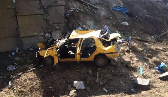 Galerie foto. Accident rutier grav, în județul Constanța / Au căzut cu mașina într-un canal adânc de patru metri. ȘASE VICTIME - img20150404wa0003-1428167185.jpg