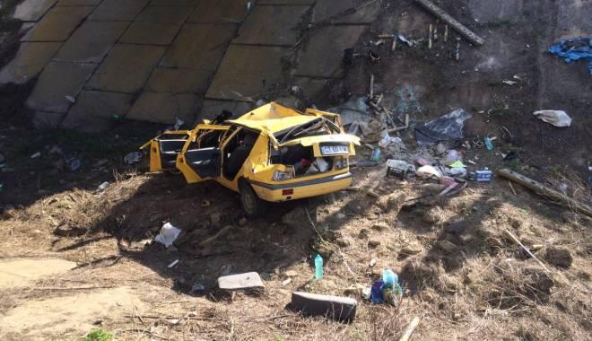 Galerie foto. Accident rutier grav, în județul Constanța / Au căzut cu mașina într-un canal adânc de patru metri. ȘASE VICTIME - img20150404wa0004-1428167194.jpg