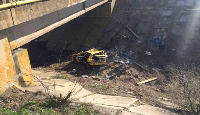 Galerie foto. Accident rutier grav, în județul Constanța / Au căzut cu mașina într-un canal adânc de patru metri. ȘASE VICTIME - img20150404wa0005-1428167202.jpg