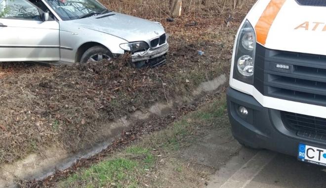 Foto: Galerie foto / Accident la ieșire din Constanța. Un șofer a ieșit în decor cu BMW-ul