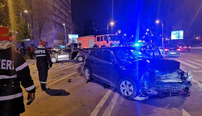 Foto: Galerie foto. Accident rutier la Constanța! Sunt scurgeri de combustibil