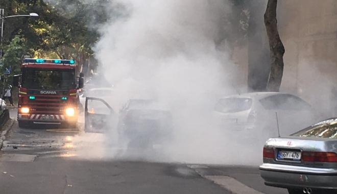 O mașină a luat foc în mers. Șoferul și cei doi pasageri au reușit să se salveze în ultimul moment - img3625-1510909578.jpg