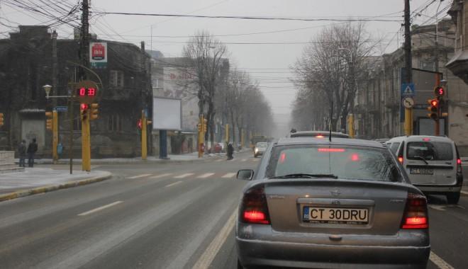 Trafic dificil în Constanța, asfaltul este acoperit cu gheață / Vezi aici cum se circulă - img3850-1327582255.jpg