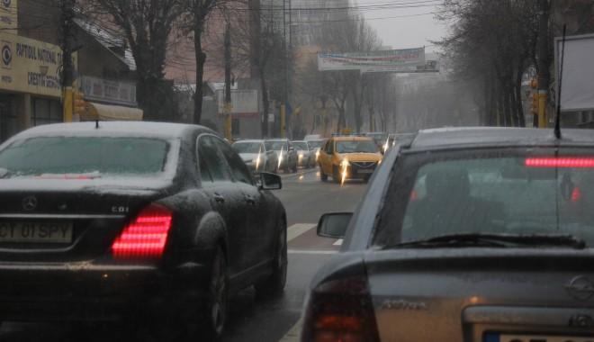 Trafic dificil în Constanța, asfaltul este acoperit cu gheață / Vezi aici cum se circulă - img3856-1327582289.jpg