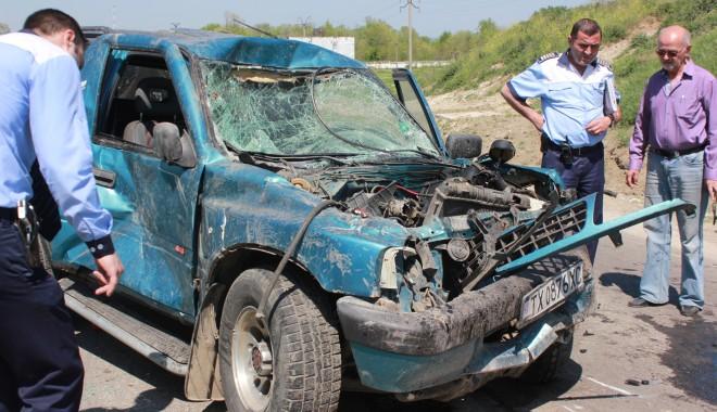 ACCIDENT GRAV CU 12 VICTIME la intrare în Constanța. Printre răniți se află și DOI COPII! - img8010-1367410641.jpg