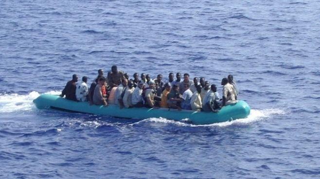 Foto: Criza imigranților / În două zile 2.000 de oameni au fost salvați din Marea Mediterană