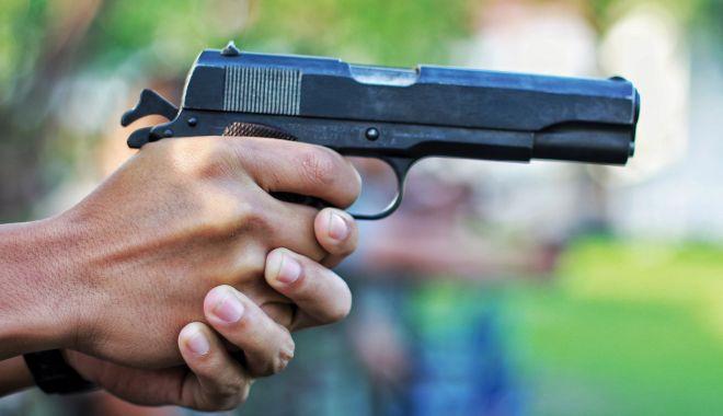 """Foto: Împușcături în centrul Constanței. Polițiștii încă îl caută pe """"pistolar""""!"""
