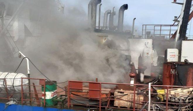 VIDEO / Incendiu în Șantierul Naval Midia! Intervin pompierii - incendiu-1589895686.jpg
