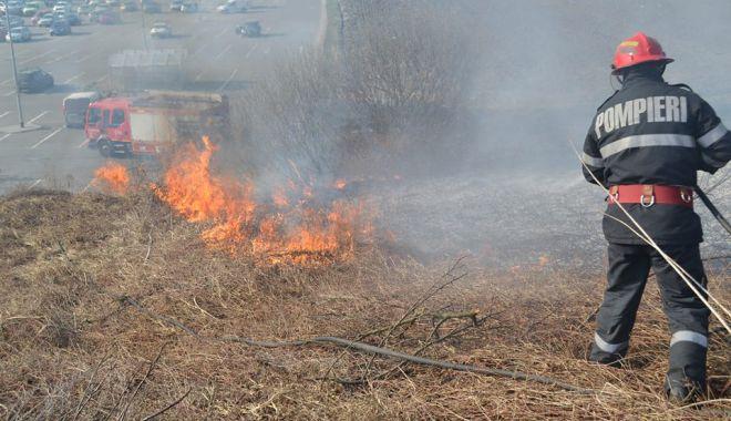 Un INCENDIU a dat peste cap traficul pe AUTOSTRADA SOARELUI - incendiu-1589960288.jpg