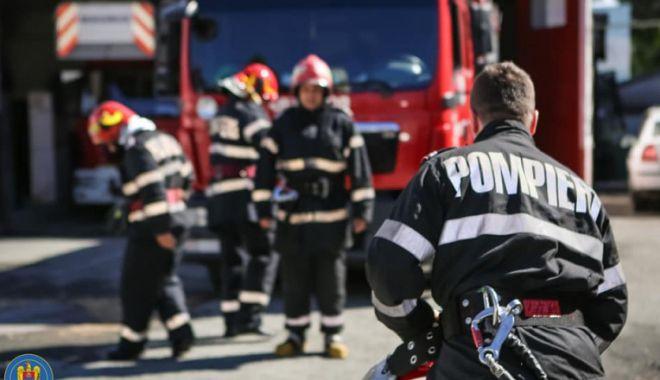 A dat foc apartamentului și s-a aruncat pe geam după ce s-a certat cu părinții - incendiu-1607156328.jpg