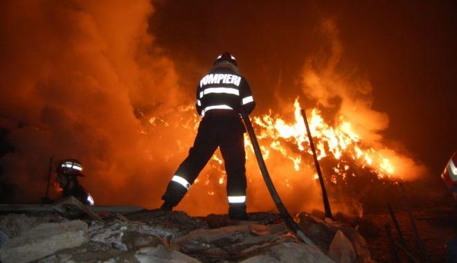 INCENDIU DEVASTATOR! Două persoane, găsite carbonizate - incendiucasaenationalro1000x600-1544345586.jpg