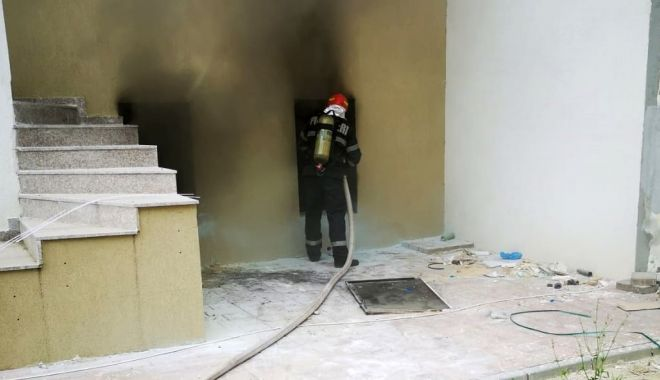 UPDATE / Alertă în Mamaia Nord. INCENDIU la un hotel! - incendiuhotelsursaisu-1591862464.jpg