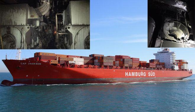 Foto: Incendiul pe un portcontainer în Panama. Un marinar a fost rănit