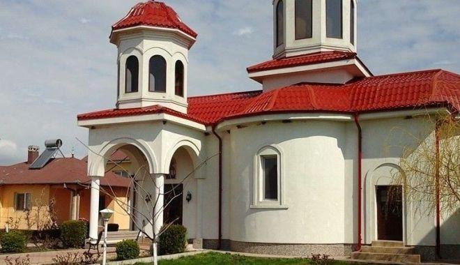 Încă un INCENDIU la o mănăstire din Constanța! Focul ar fi fost pus intenționat! - incendiumanastiresfelenacostines-1570429399.jpg