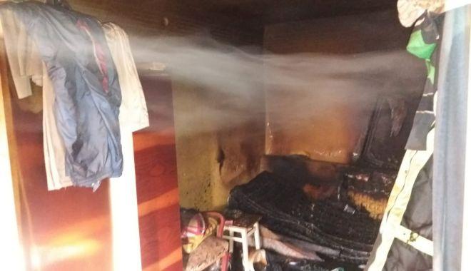 Foto: Bărbat mort în incendiu, la Constanța