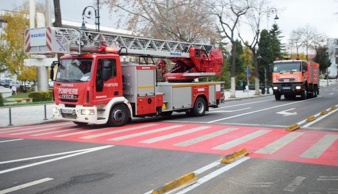 Foto: Incendiu într-un bloc de garsoniere din Năvodari: un bărbat a murit!