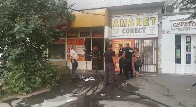 Foto: Aparate distruse în incendiu, într-o sală de jocuri
