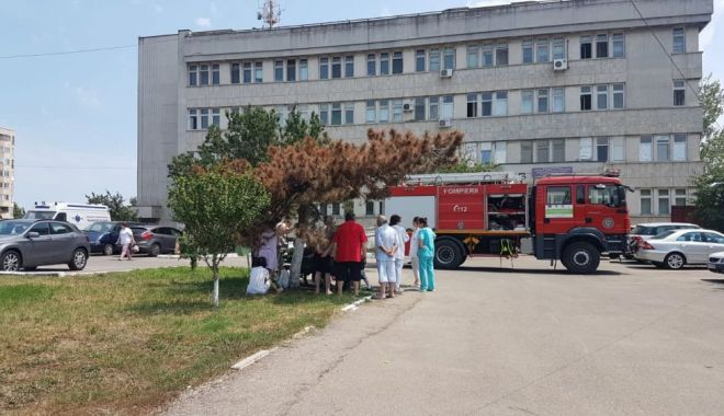 Foto: Incendiu la Spitalul CF Port, provocat de radiațiile solare