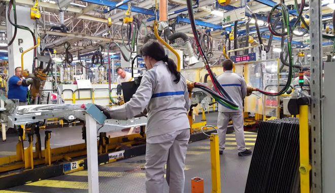 Industria auto, afectată de criza conductorilor - industriaauto-1616608133.jpg