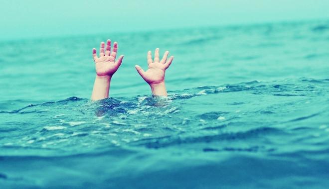 Foto: TRAGEDII PE LITORAL! Minori înecați după ce au intrat în apă, pe steag roșu. Un bărbat a decedat la Eforie