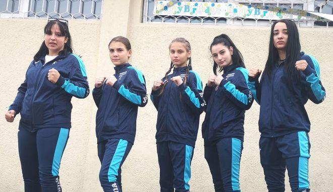 În ring! Pugiliste constănţence, la Naţionalele de la Bucureşti - inring2-1604508022.jpg