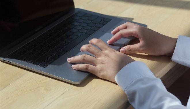 Internet şi laptopuri pentru școala din Movilița, cumpărate cu sprijinul Rompetrol - internetsilaptopuri1-1604686083.jpg