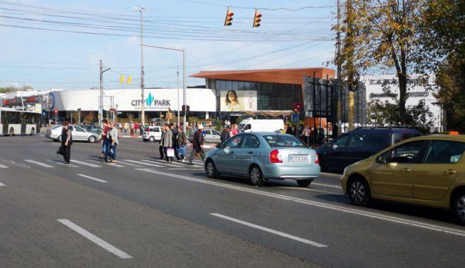 Foto: Intersecția de la City Park Mall, reasfaltată