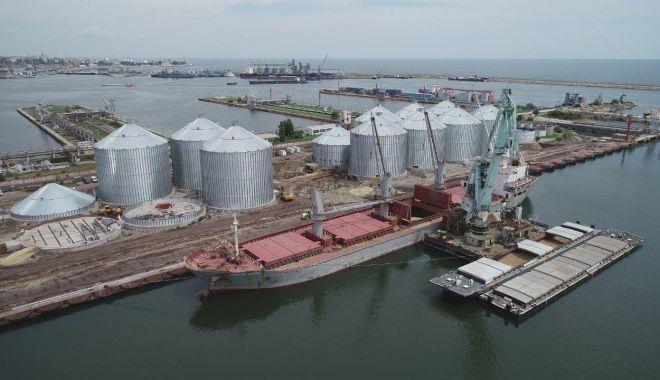 Foto: Interzicerea exporturilor de cereale - o lovitură teribilă pentru industria portuară