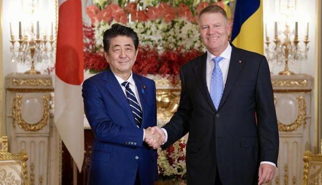 Foto: Președintele Klaus Iohannis, primit la Tokyo de premierul japonez