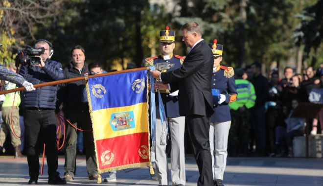 Preşedintele Klaus Iohannis a participat la Ziua Armatei Române - iohannisarmata-1603635348.jpg