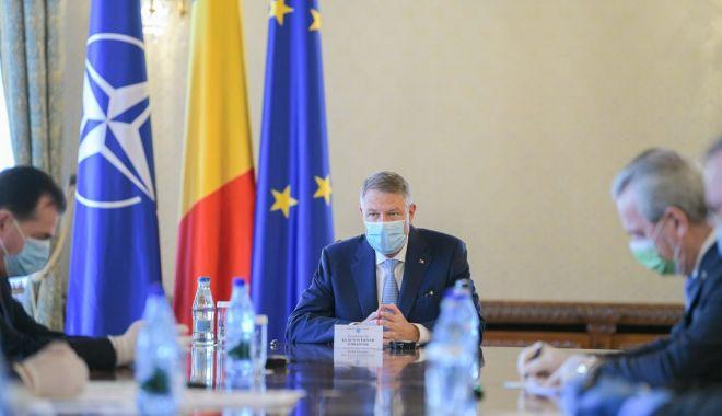 Klaus Iohannis a convocat miniștrii la Cotroceni. Ședință pe tema epidemiei Covid-19 - iohannismasca1024x683-1591691945.jpg