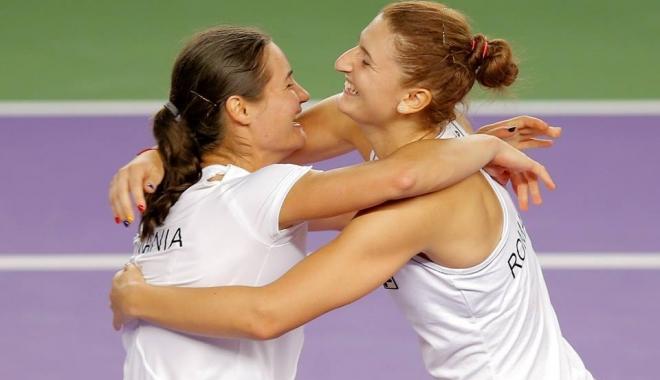 Irina Begu și Monica Niculescu s-au calificat în semifinalele probei de dublu de la Australian Open - irinabeguimonicaniculescu-1516693865.jpg