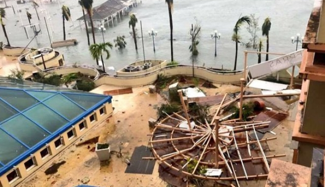 Uraganul Irma / 4 români au fost evacuați din Caraibe - irma1-1505144830.jpg