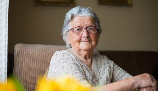 Seniorii Constanţei sunt premiaţi de Primărie - istock11503465851254x760-1631686644.jpg